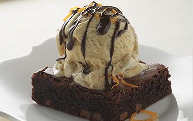 Moelleux au chocolat et sa boule de glace vanille